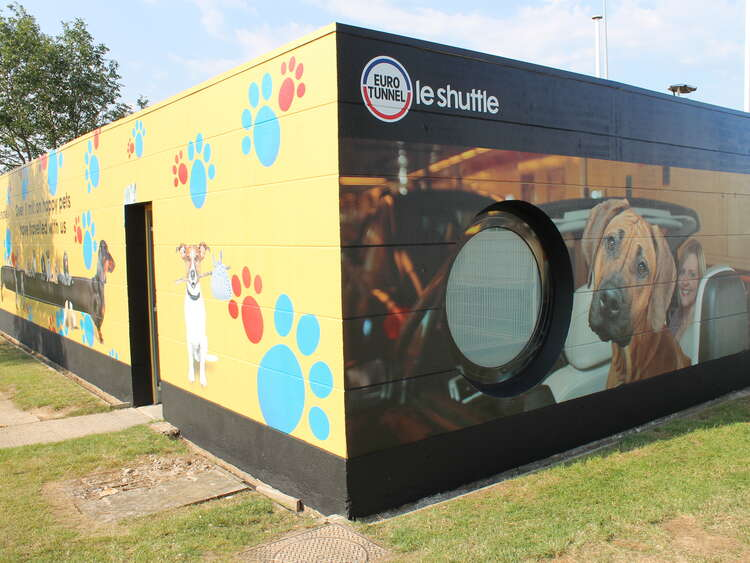 Eurotunnel Pet Reception building wrap using printed textured wall vinyl